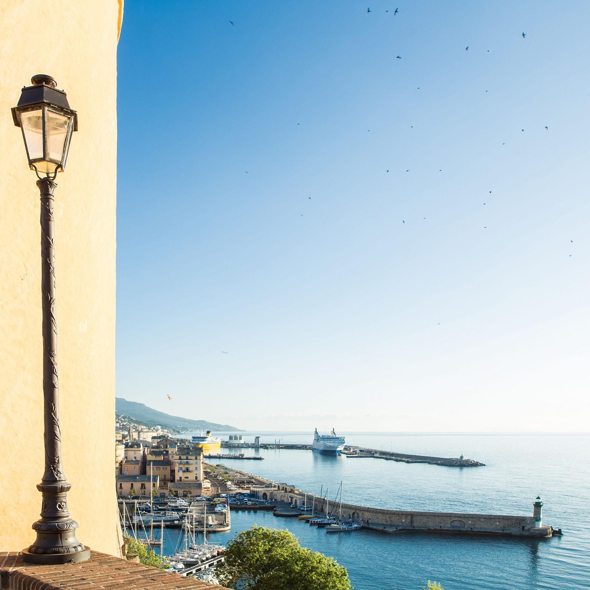 blog-voyage-sabine-kley-corse-balagne-bastia-lampadaire