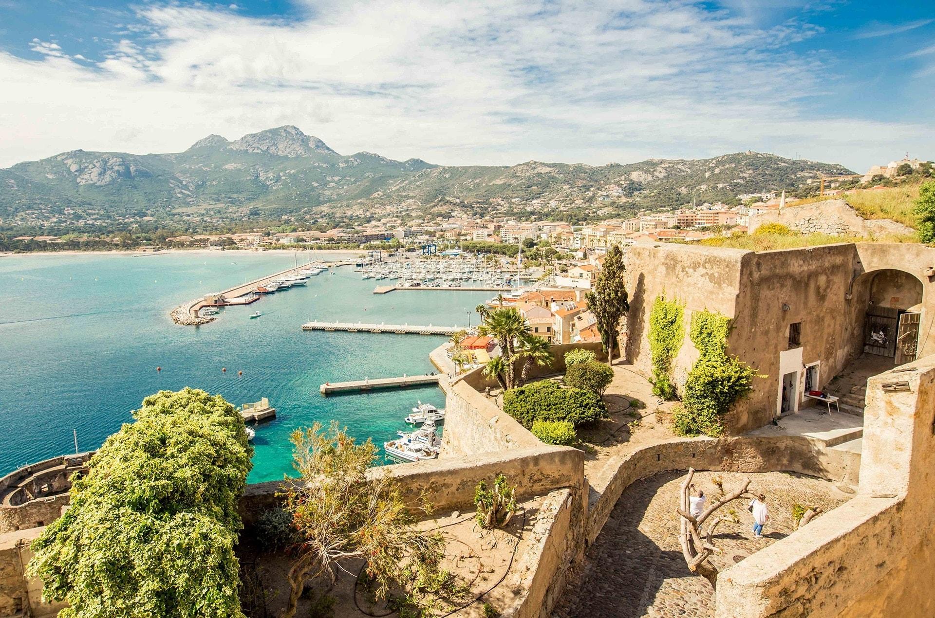 blog-voyage-sabine-kley-corse-balagne-calvi-remparts