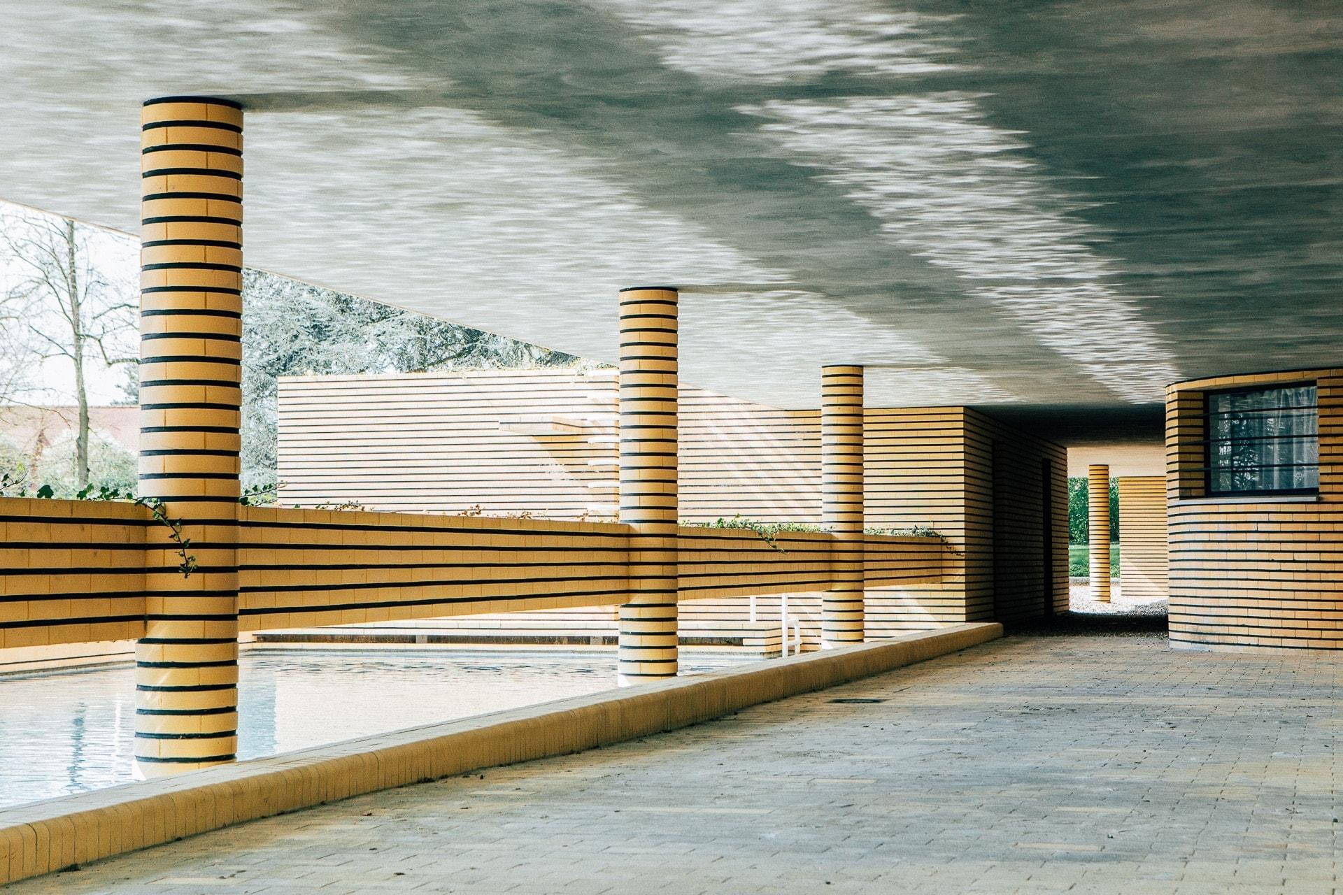 Reflets de la piscine - Villa Cavrois