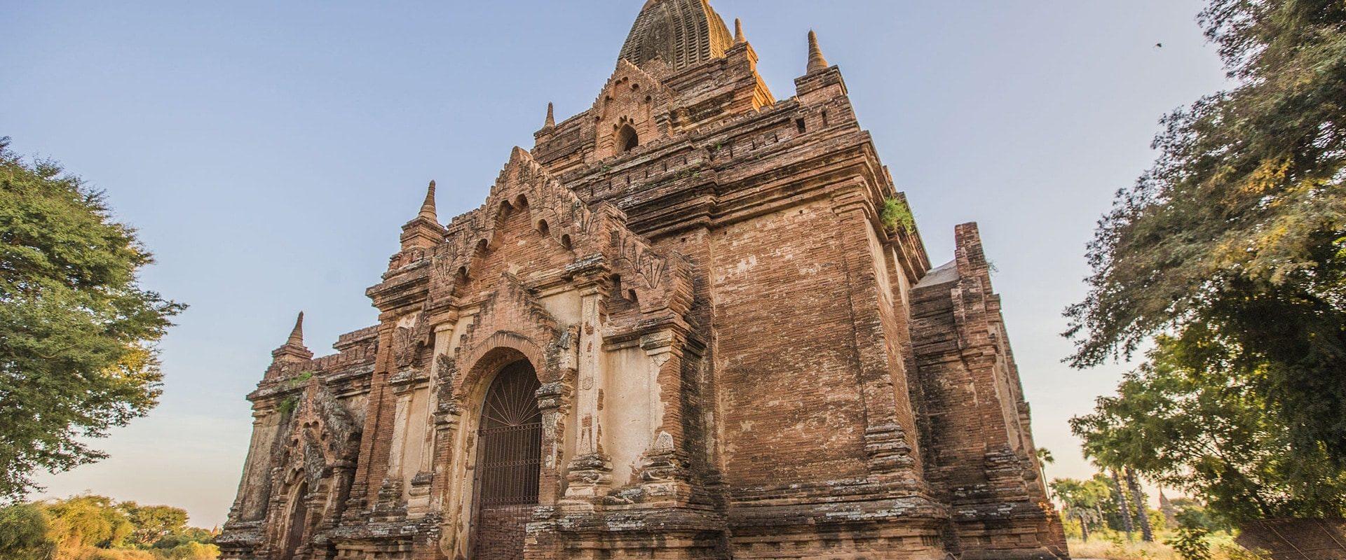Sur La Route De Mandalay En Birmanie