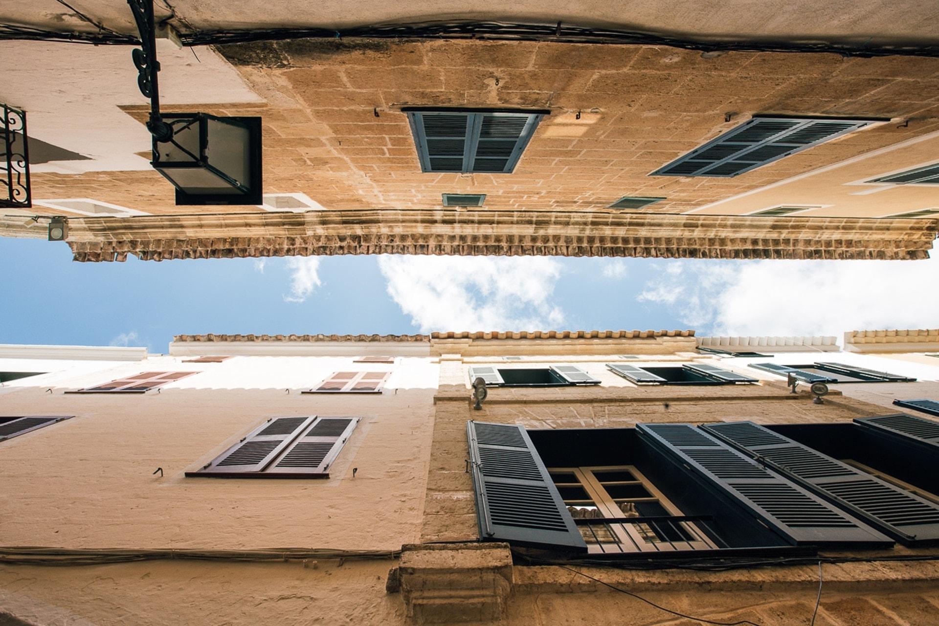 Architecture des maisons à Ciutadella à Minorque