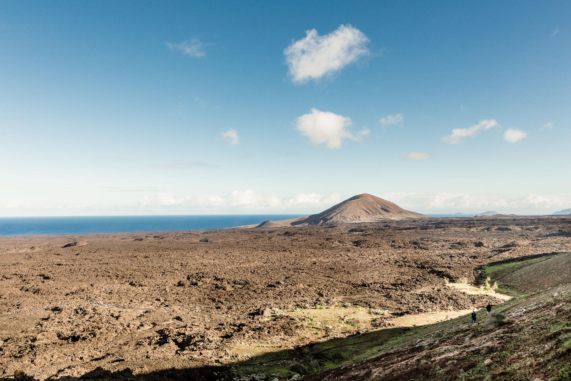 Vue mer depuis le volcan Caldera Blanca à Lanzarote