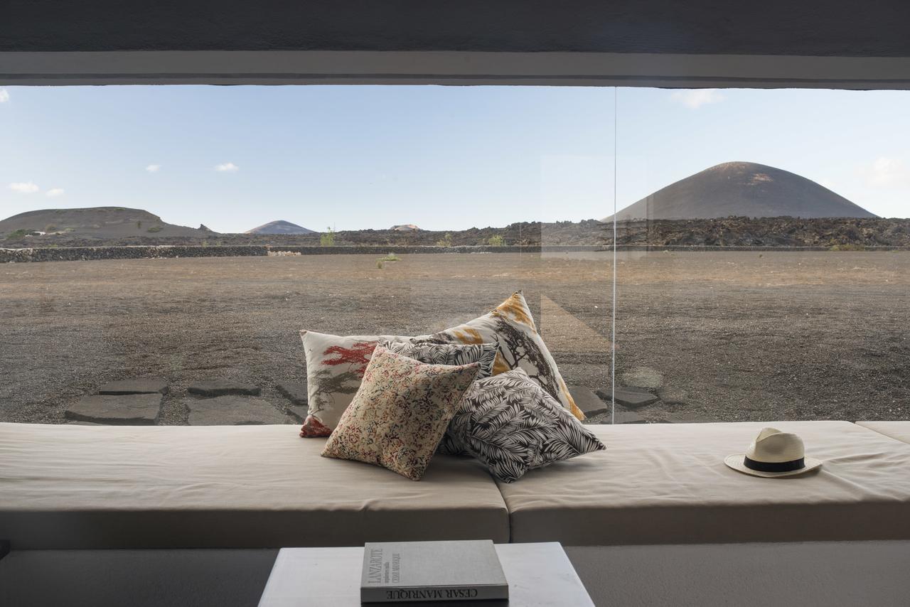 Vue sur les montagnes depuis la villa Lanzarote Country