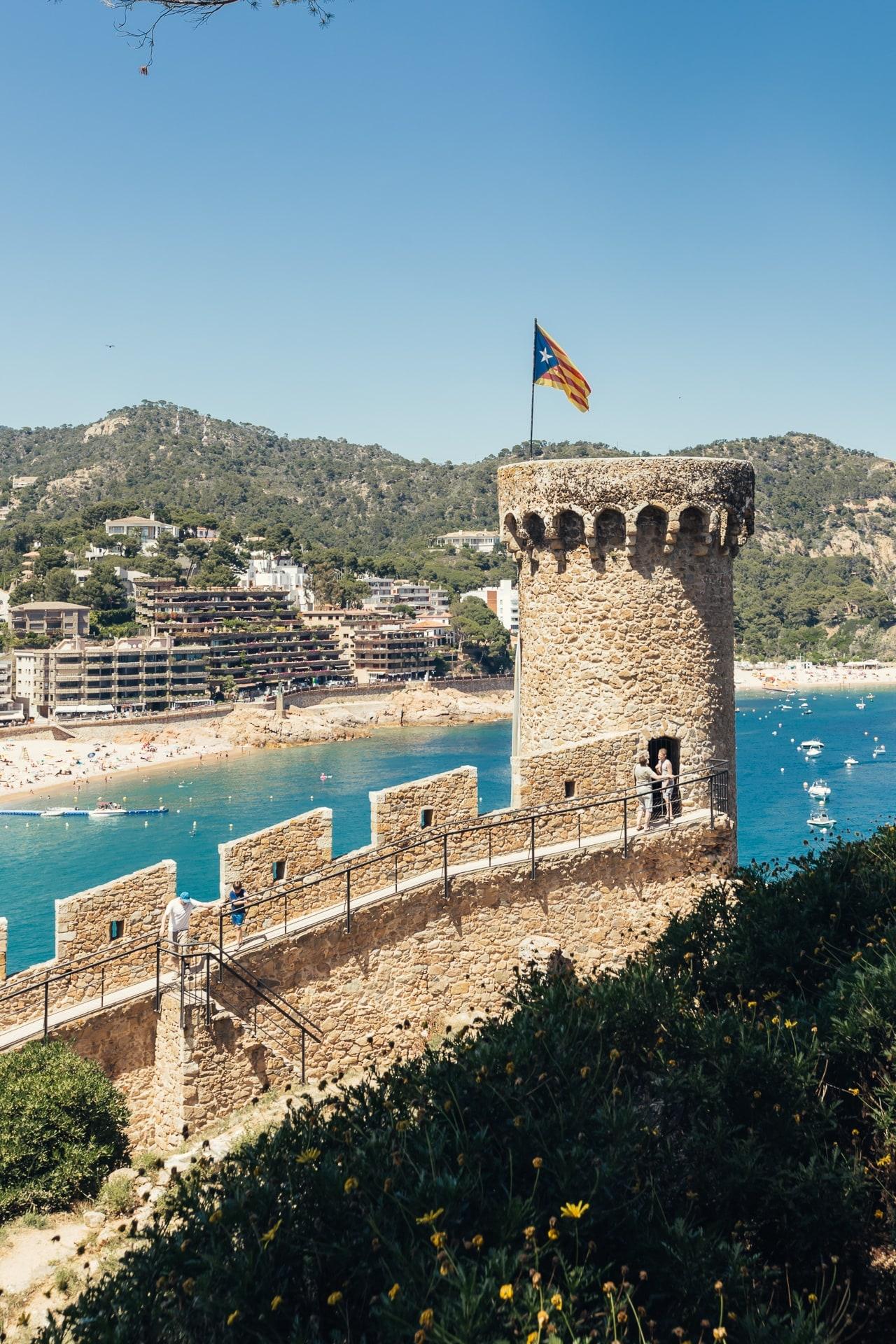 Tour du château de Tossa de Mar