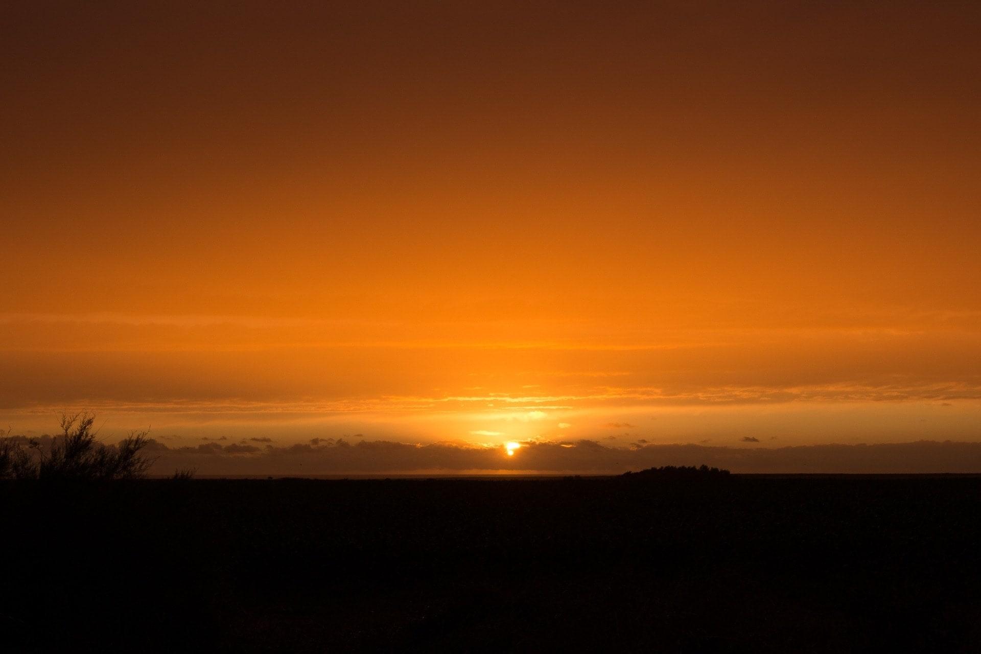 Coucher de soleil à Goulphar dans les champs à Belle ile en mer
