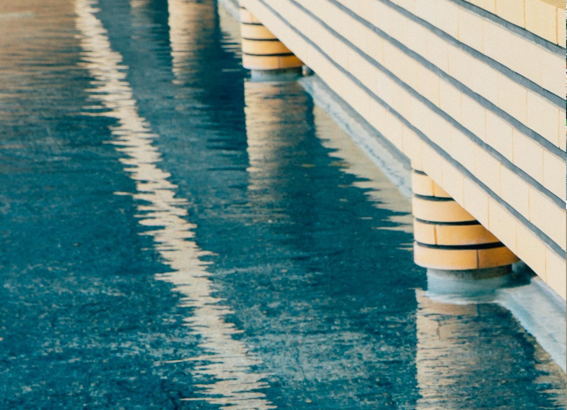 La couleur de l'eau de la piscine - Villa Cavrois à Roubaix