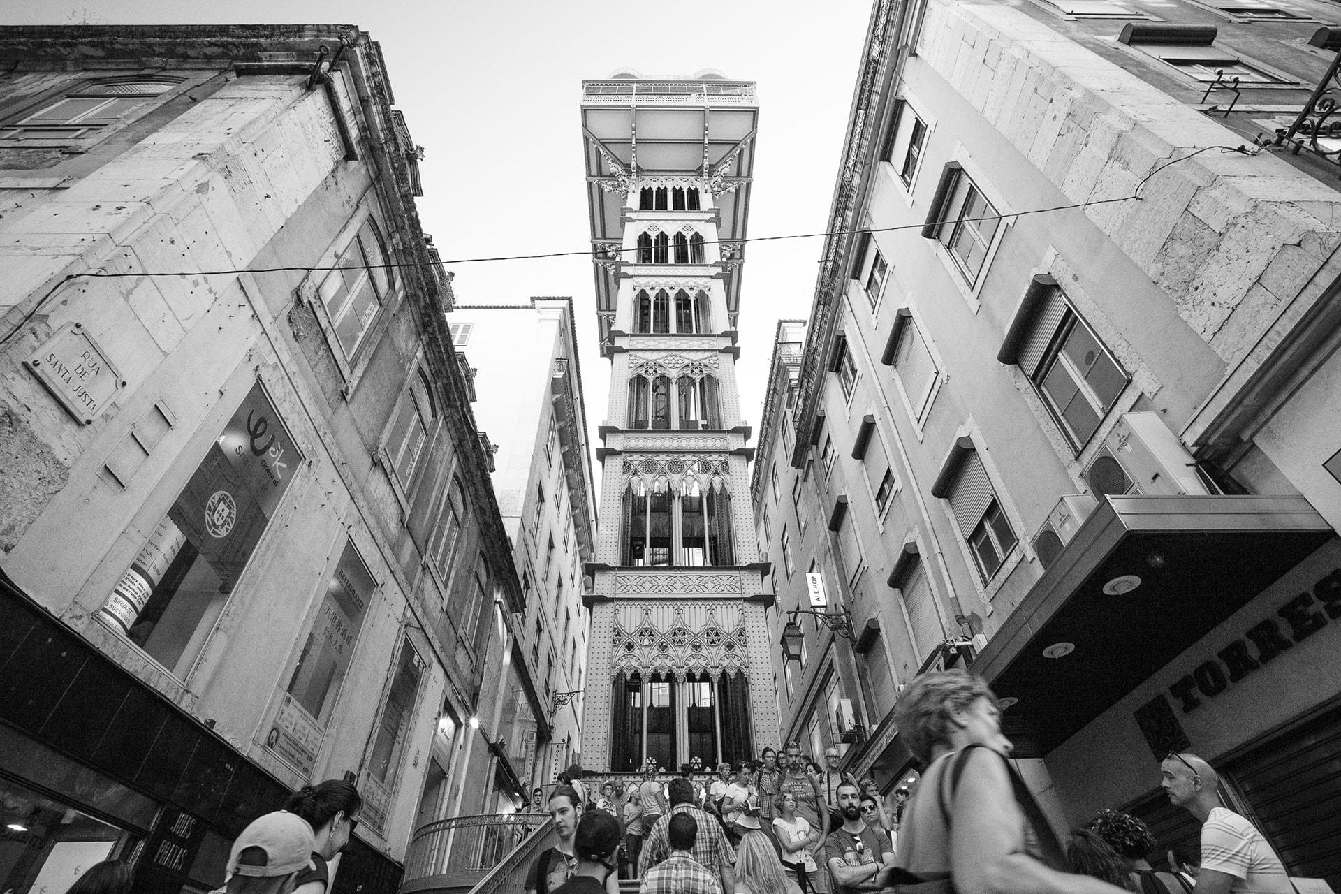L'elevador Santa Justa dans le quartier Chiado à Lisbonne au Portugal